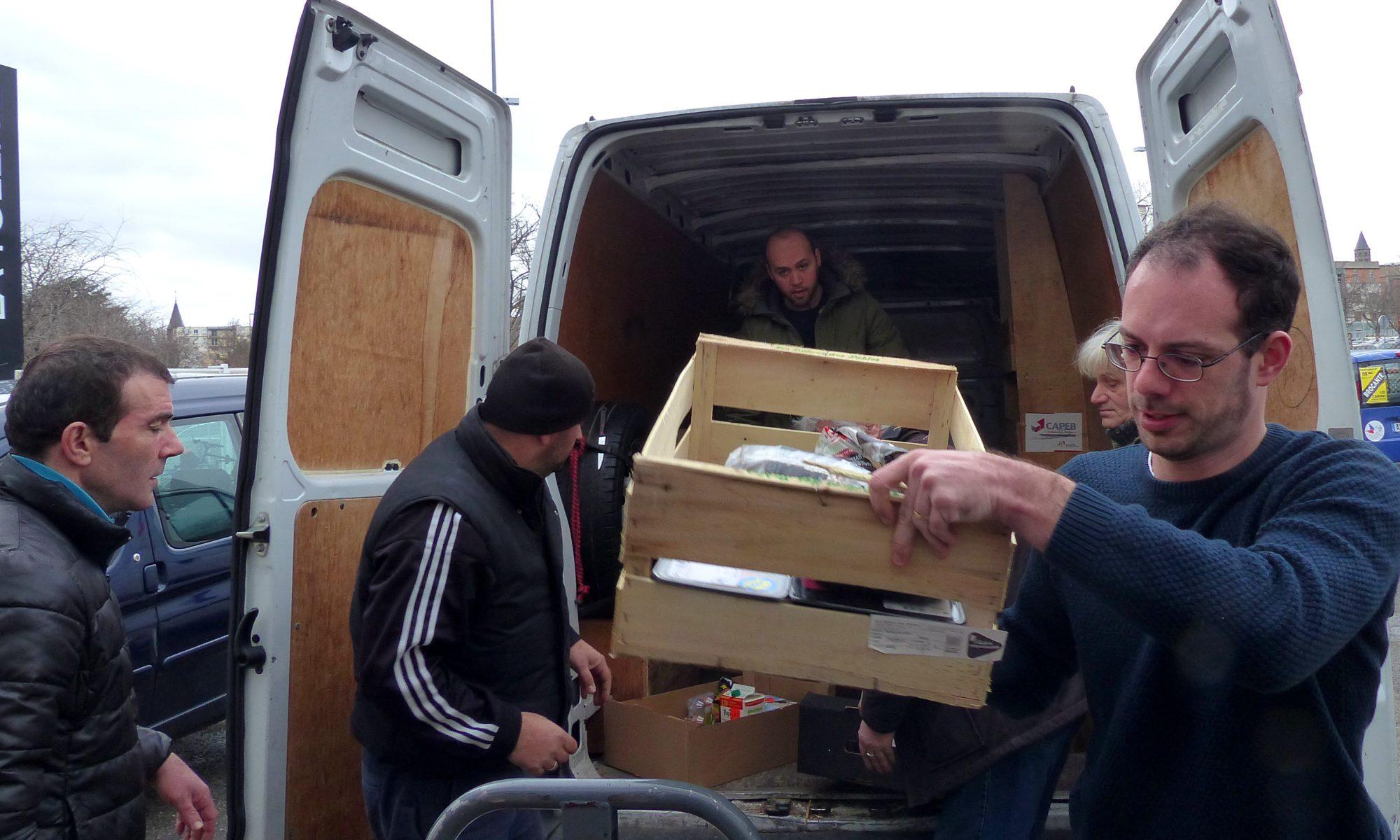 Les livreurs du secours populaire du Puy-de-Dôme