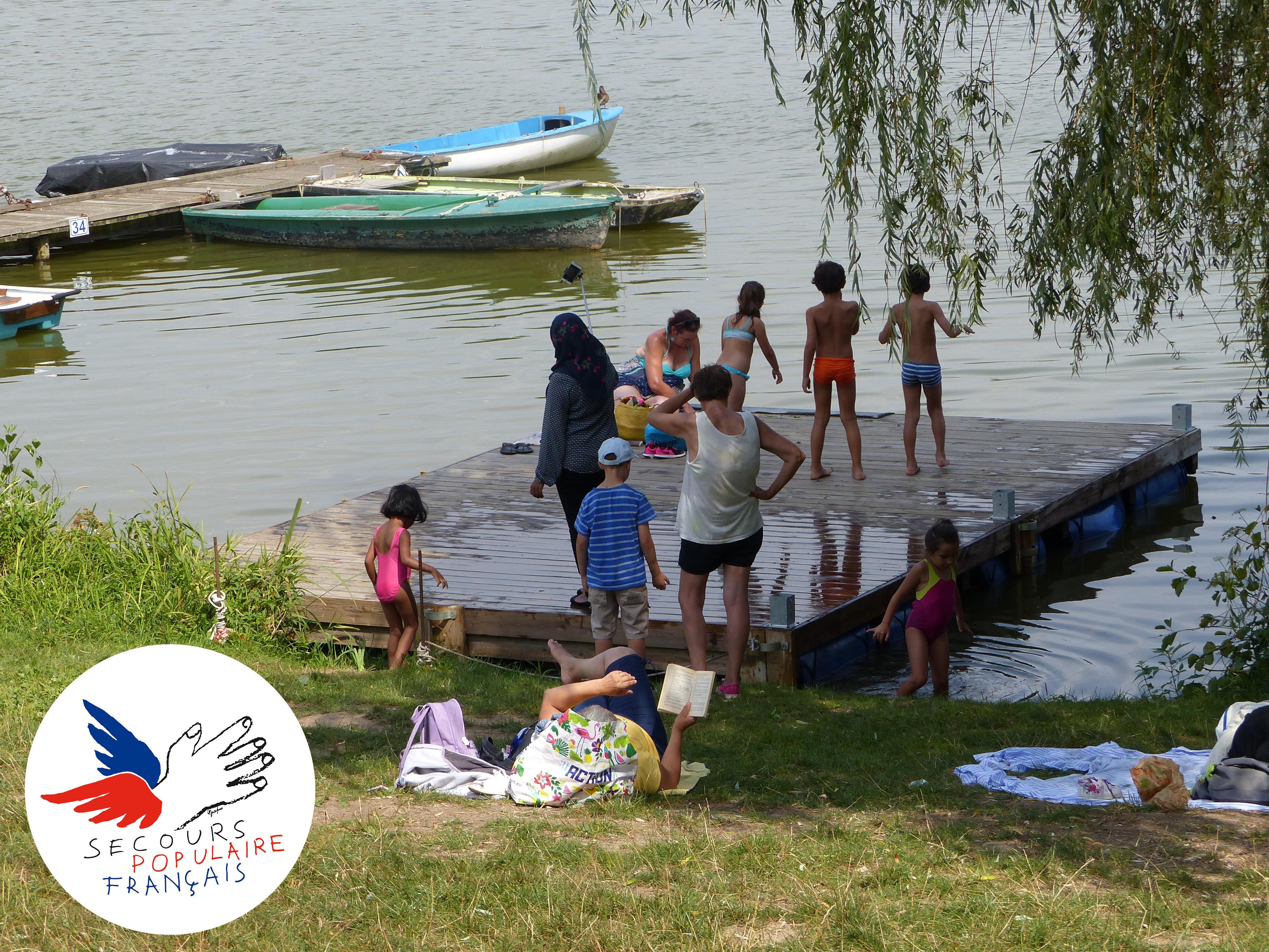 Séjour avec le secours populaire français. Été 2018. Lac des sapins. Haut-Beaujolais.